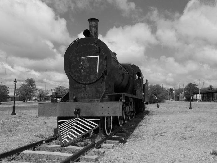 Nubes Black Black And White Locomotive Outdoors Rail Transportation Train - Vehicle Tren White