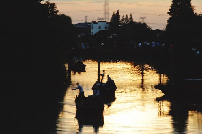 Hello World Hi! Taking Photos Enjoying Life Wuzhen Boat  Peaple Afteroon