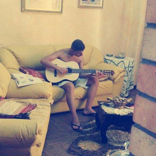 È difficile... 😭😭 Guitar Yamaha C30 Chitarra Clàssica Music Caldo Ultimigiorniprimadellascuola