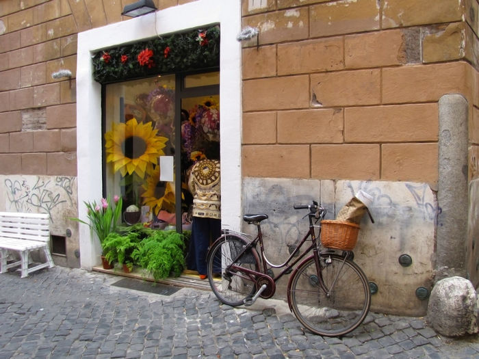 Beautiful City Life Graffiti Happiness Rome Travel Adventure Bicycle Bicycle Basket Building Exterior Charming Charming Place Cobblestone Culture Day Discovery Flower Flower Shop Italy Outdoors Shop Window Street Scene Transportation