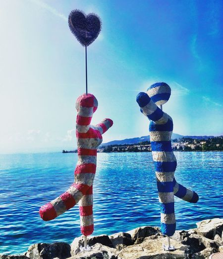 Love Amour Statue Lake Montreux Biennale Outdoors