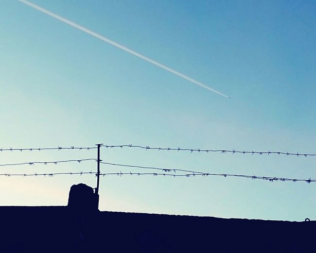 Streetphotography Barbed Wire Sky Minimalism Silhouette