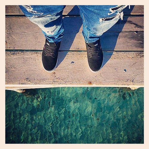 Puente Borde Agua Azul Madera Zapatos Bridge Edge Blue Water Wood Shoes Vans