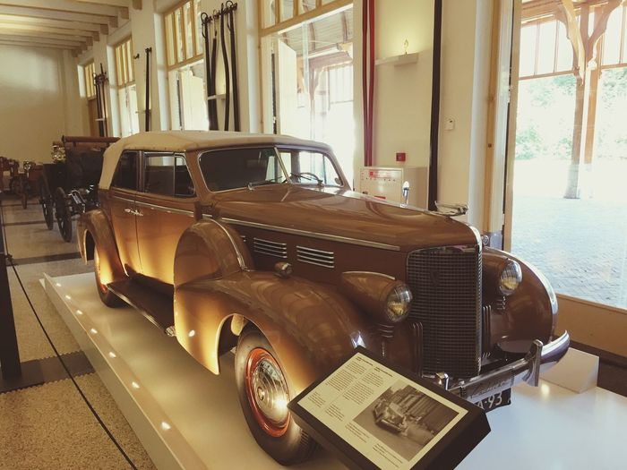 Dutch Royal Car Paleis Het Loo Queen King Rolls Royce History Palace Exhibition