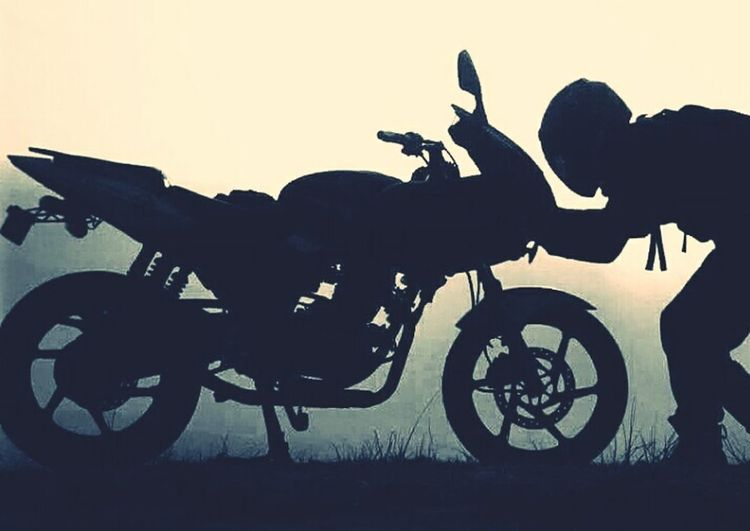 Things I Like Pulsar220 Mypassion♥ Blackandwhite Photography Biking And Photography Riding❤