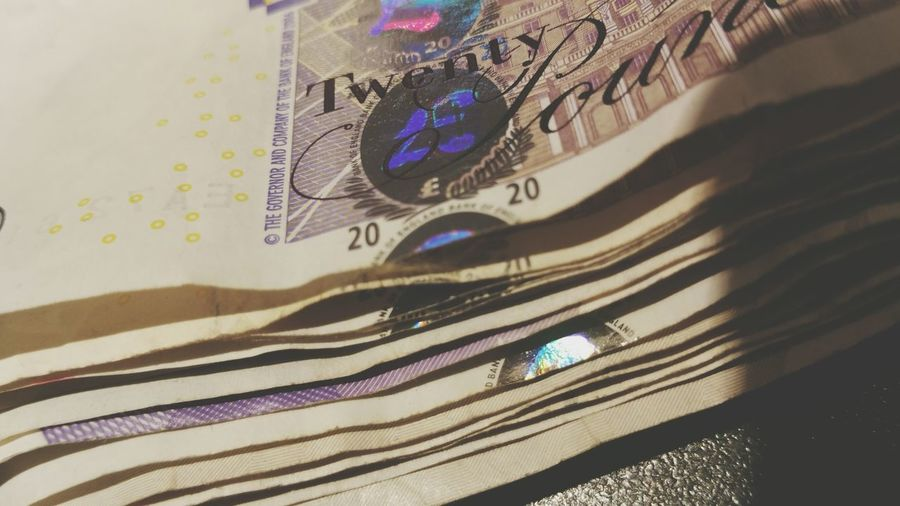 20 Quid £20 Note Money Bank Of England Banknote Queen Spend Hologram Holographic Notes Wedge Few Quid