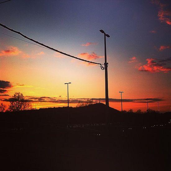Color Sky Cloud Cloudporn skyporn hungary budapest mik ikozosseg insta_bp magyarorszag in_europe april spring tavasz photooftheday picsoftheday instamagyarorszag landscape instagood instadaily borárostér beautiful evening 🌅🌅🌅