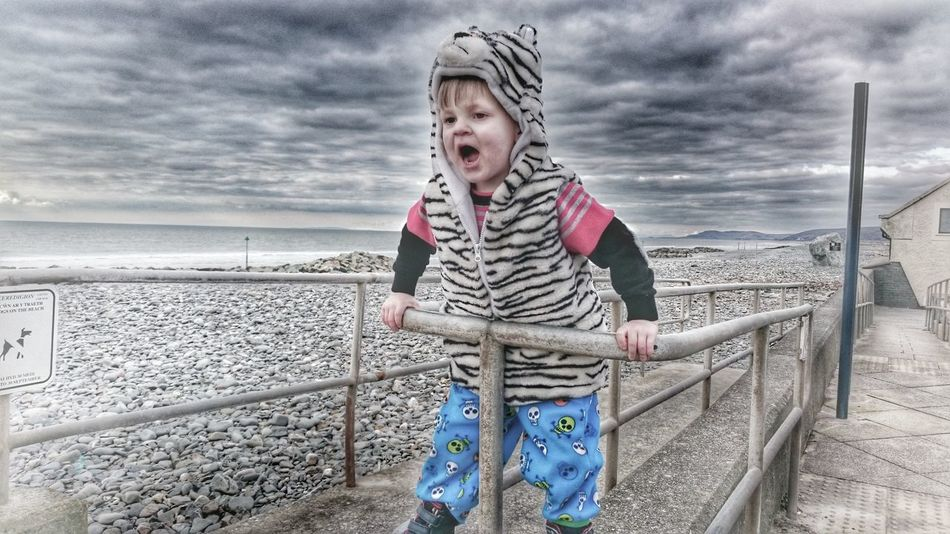 Roar 😼 Taking Photos Wildchild Freedom Of Expression Freedomofexpression Childhood Hello World For My Friends That Connect Borth Odd Family Freedom ExpressYourself Roar😸 Children Photography Childrens Portraits Children At Play