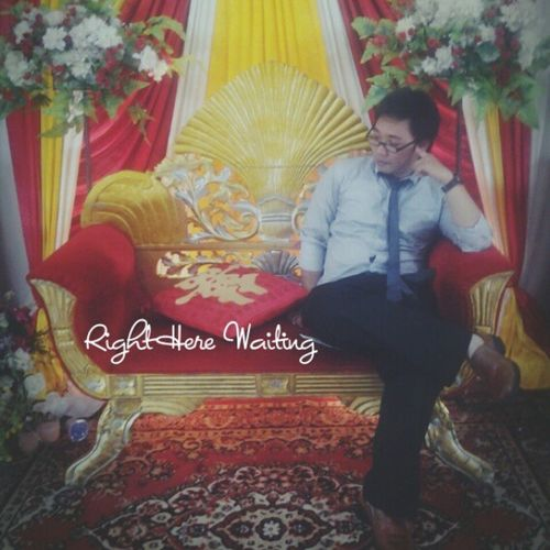Right here waiting for you, haaha... insta mania after MC of my friends wedding party @afandijie and @mimingwei Weddingparty Waitingforyou Rightherewaiting Waiting
