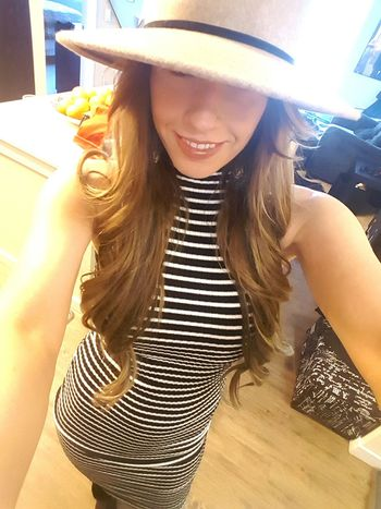 Just a quick selfie before our photo shoot😊📷 Selfie ✌ Selfies That's Me Cheese! Funweekend Hat Fashion&love&beauty Hi! Enjoying Life Photoshoot Smile Forever21 Longhair Longhairdontcare