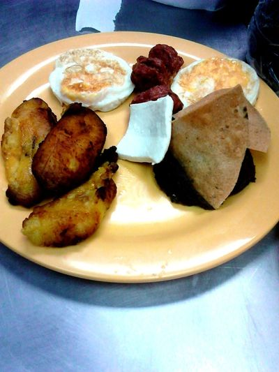 Un desayuno zuper tipico
