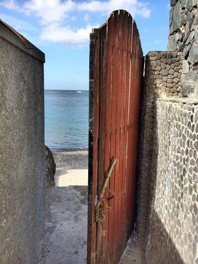 Door to