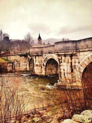 Puente Del Perdón & Monasterio Del Paular  Mucha Agua... #valledellozoya #agua #ríoLozoya #river #water