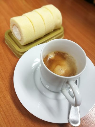 Coffee break Crema Coffee Roll Cake Yummy Break Time Drink Coffee - Drink Saucer Frothy Drink Coffee Cup Close-up Food And Drink Served Black Coffee Espresso Hot Drink Coffee Caffeine Pastry Non-alcoholic Beverage Beverage Roasted Coffee Bean