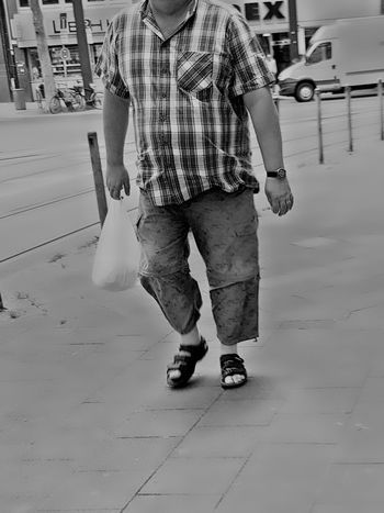 Portrait Headless Headless_collection Street Photography Streetphoto_bw City Street City Life Portrait Of A Man  Portrait_shots Black And White Photography Black And White Citylife Showcase June Street Photo Walking My City GalaxyS7Edge After Shopping