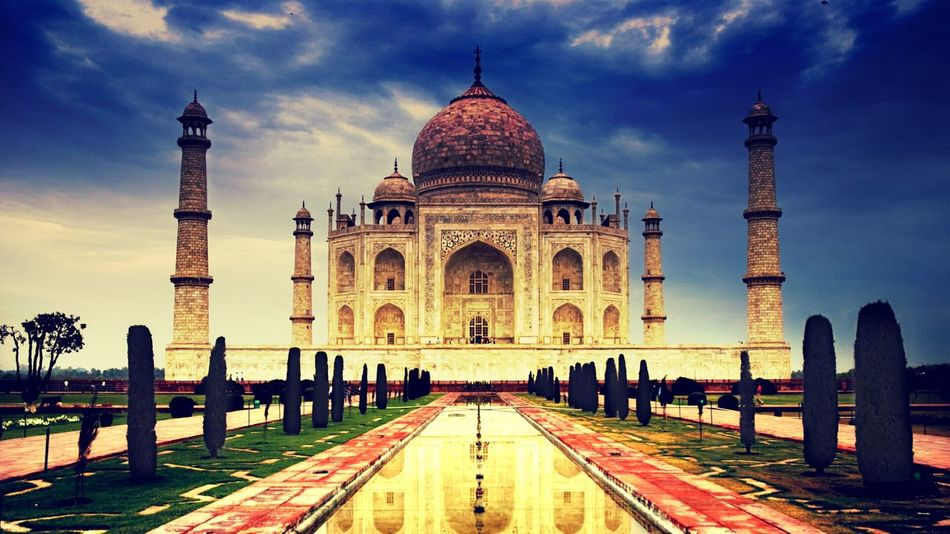 Beauty spot of INDIA,, THE TAAJ MAHAL Chexk This Out! Indian Culture  Castle Love ♥ Storyoflove Beauty Of India Art