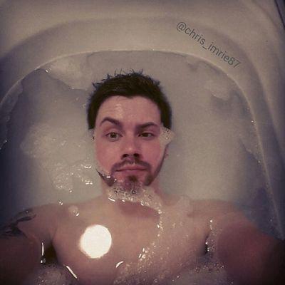 Selfie Scottish ScottishGuy Guy GuysWithInk Guyswithtattoos Beard BeardsAndTats Bathtime BathtimeSelfie Eyebrow Seriousface Geek GeekandProud Gamer Wet