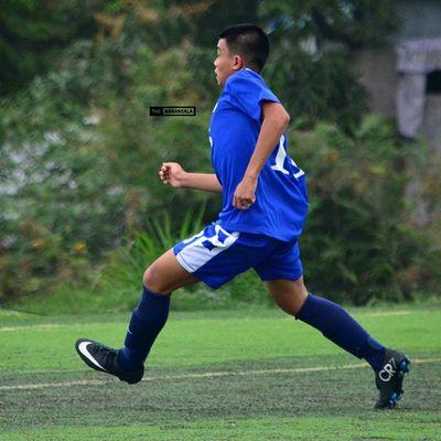 @manucruel scored a goal at 89' to give Ateneo an advantage in injury time 🎆⚽ . . . UAAP Uaap77 Uaapseason77 ADMUvsUST juniors AdMU UST sbspotlight soccerbible football cr7 themanansala