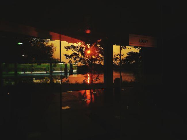 No People Reflection Mirroreffect Sunrise_sunsets_aroundworld Officetime