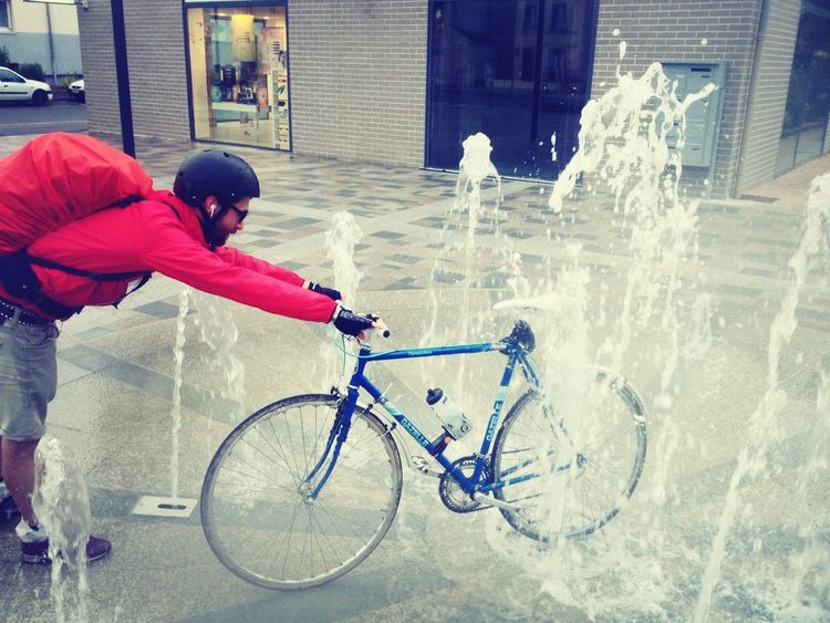 Hobo Bike Cleaning On The Long Road To Paris