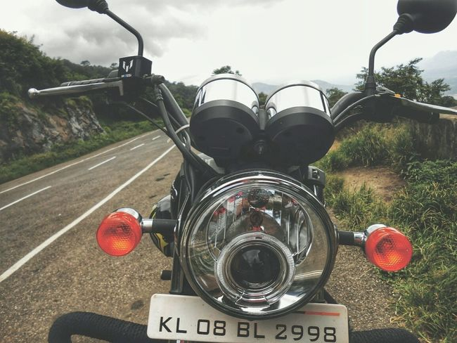 Royal Enfield TB350 Motorcycle No People Day Close-up Outdoors Sky Royalenfield Rides And Attractions Bike Love Nature's Diversities Natural Photography Lonely Roads Peace ✌ EyeEm Nature Lover EyeEmNewHere Beauty In Nature Hillside View Motorcycle Bikeporn Nature Investing In Quality Of Life EyeEm