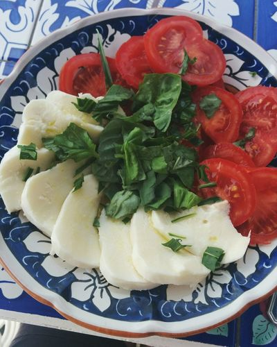 <3 Italia Caprese Tomato Mozzarella Yummy :) Food Amalfi Coast Holiday The Essence Of Summer Colours Of Italy Tricolore