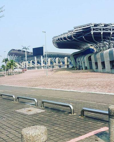 與子軒來觀光😊😊😂 LOL Landscape Bro Naval Academy Kaohsiung Modern Building