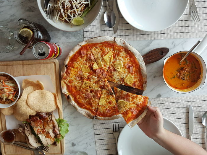 food & dinner Pizza Pizzalover Thaifoods Human Hand Sweet Pie Plate Directly Above Tart - Dessert Dessert High Angle View