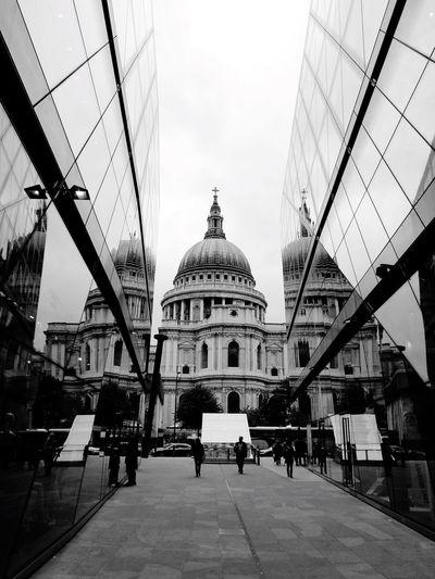 Seeing triple. St Paul's Cathedral, London Neighborhood Map EyeEmNewHere