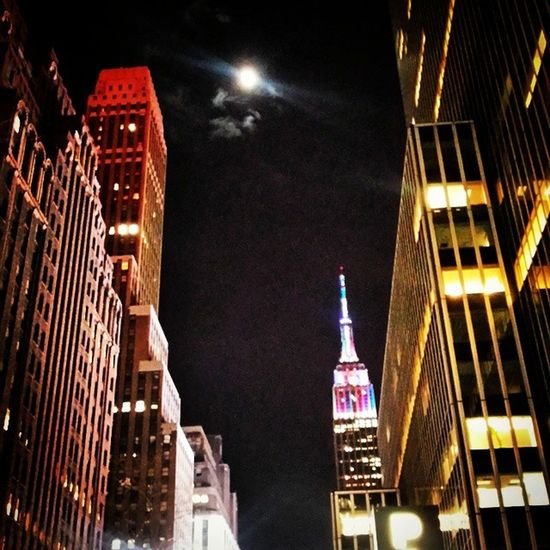The view going home from work Empirestatebuilding NYE Moonlight 34thstreet