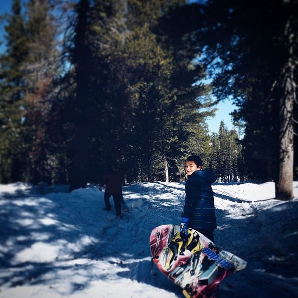 Starting the New Year very fresh, and what better way to be fresh than to be at the snow ! Blessed  Snow Freedom Friends Family Vscocam Beastgrip Explore Discover  Happiness Children HaveFun Slide Smile Snowtrail Kids Travel Delighted