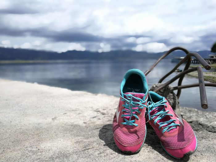 Old Shoe Old Shoes On The Floor Old Shoes Lake Shoes ♥ Scenics Lake View Lakeview LakeToba  Lieblingsteil