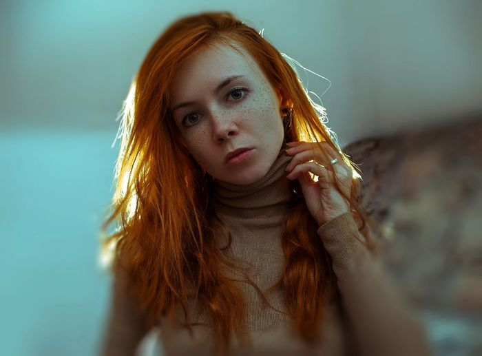 Cinema Cinematography Cinematic Portrait Self Portrait Film Photography Film Filmphotography person Redhead Light Focus Focus on the Story Akcent Woman 30 Years Old Face Freckles Portrait Beauty Redhead Long Hair Close-up Tangled Hair Hairy  Tousled Hair Frizzy Posing Introspection Freckle
