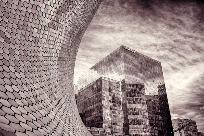Glass and Metal Wave. Museo Soumaya, Ciudad De México, Mexico. Fujifilm X100t   23mm   f/4   iso 200 Wanderlust Architecture Urban Exploration