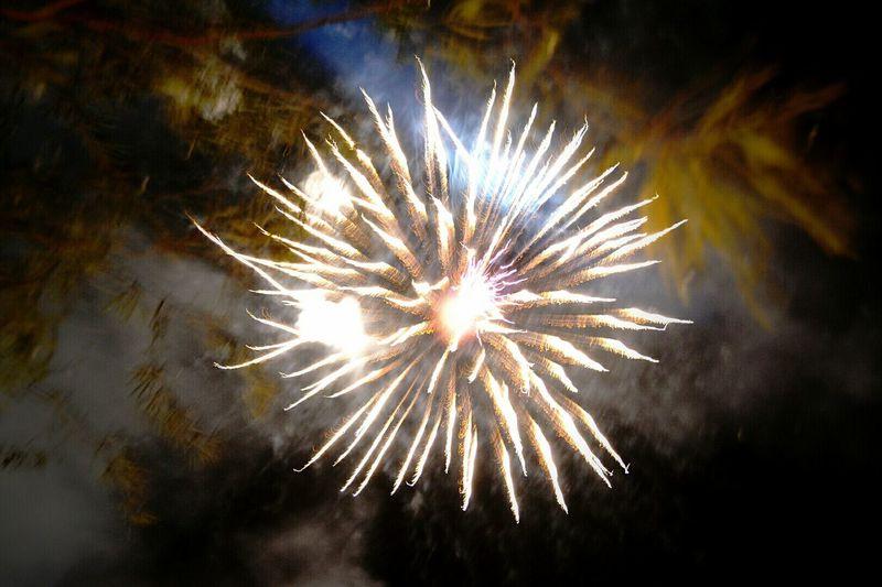 New Year's Eve Fireworks Mistakesarestillcool EyeEm Best Edits Popular Photos Eye For Photography Eye Em Best Shots EyeEm EyeEm Best Shots Myphotos Capture