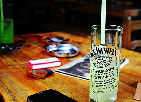 Jackdaniels Lemonade Gizeh Smoke Enjoying Life Drunk Moments Eskişehir Art Bar Check This Out