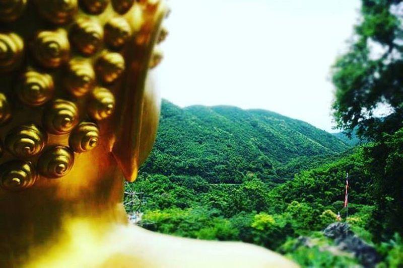 อย่ามั่วหลงส่องกระจกที่มองเห็นแค่ตัวคุณ แต่จงมองไกลออกไปสู่โลก...ที่กว้างใหญ่ 😇😇😇