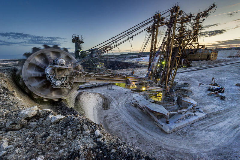 Wheel excavator at quarry