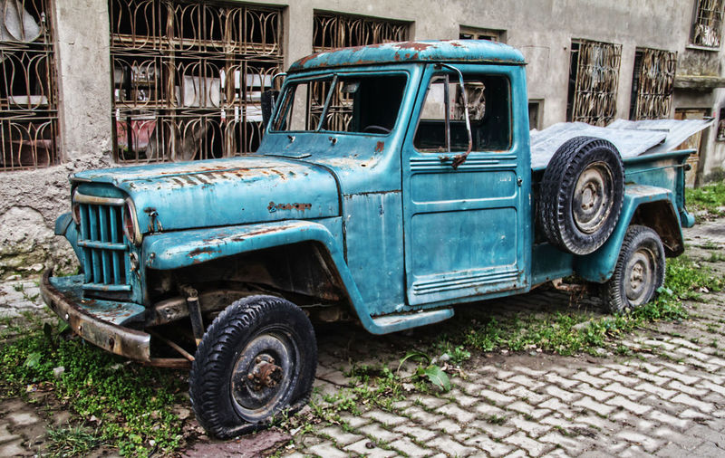 #OldPicture #car Abandoned Architecture Building Exterior Day Land Vehicle Mode Of Transport No People Old Old-fashioned Outdoors Stationary Tire Transportation