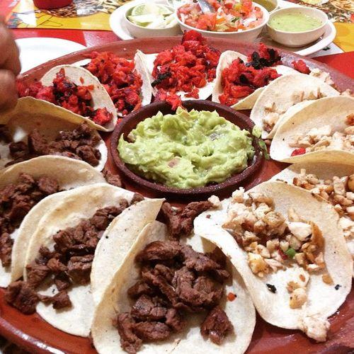Aquí rompiendo la dieta TacoInn Amocomer Tacos Delicioso 😙🙊👌👍🙌🍴