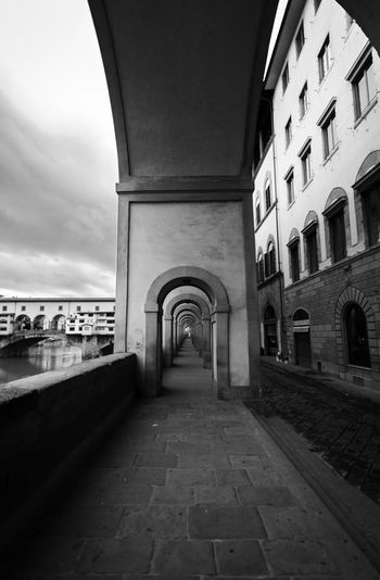 Vasari Corridor Florence Italy EyeEm Best Shots Eyemphotography City Cityscape Politics And Government Water Arch History Sky Architecture Building Exterior Built Structure Castle Museum Aged Art Museum Fort Destinations Urban Skyline Medieval Skyscraper Astronomical Clock Cctv Headquarters Tall - High Skyline Tower Knight - Person Financial District