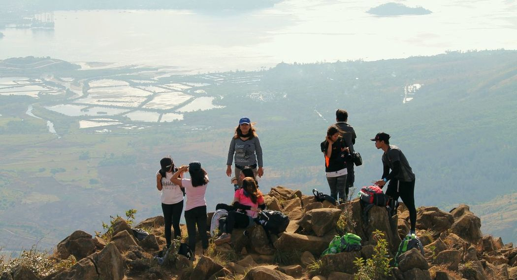 Togetherness Medium Group Of People Adventure Outdoors Nature Connected By Travel Mountaineering Mountain Hiking Mountain Range Cloud - Sky Beauty In Nature Nature