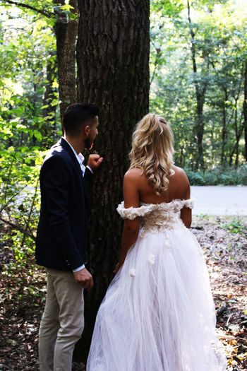 Tree Couple - Relationship Two People Women Love Togetherness Plant Celebration Adult Forest Young Adult Bride Bonding Wedding Newlywed Real People Three Quarter Length Day Men Land Positive Emotion Husband Outdoors Wife WoodLand