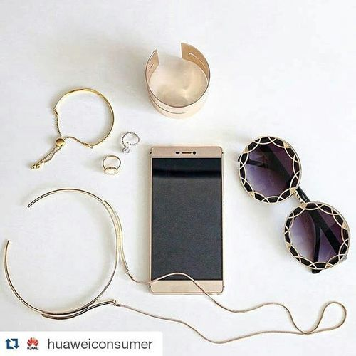 Who's ready for the gift 🎁 package? Tag and follow @huaweitz delicious stuff are cooked there. Repost @huaweiconsumer ・・・ What's your outfit of the day? Fashion blogger @sheidafashionista from Dubai is matching her accessories with the Mystic Champagne HuaweiP8 . Huawei P8 Mobilephotography Gold Accessories Ootd | Huaweigram from @huaweiarabia| Photo credit @sheidafashionista