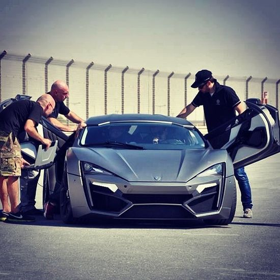 Wmotors Lykan test race on track ! Fast! Just 2.8 second 0-100 km/h as well speed would be up to 395km/h