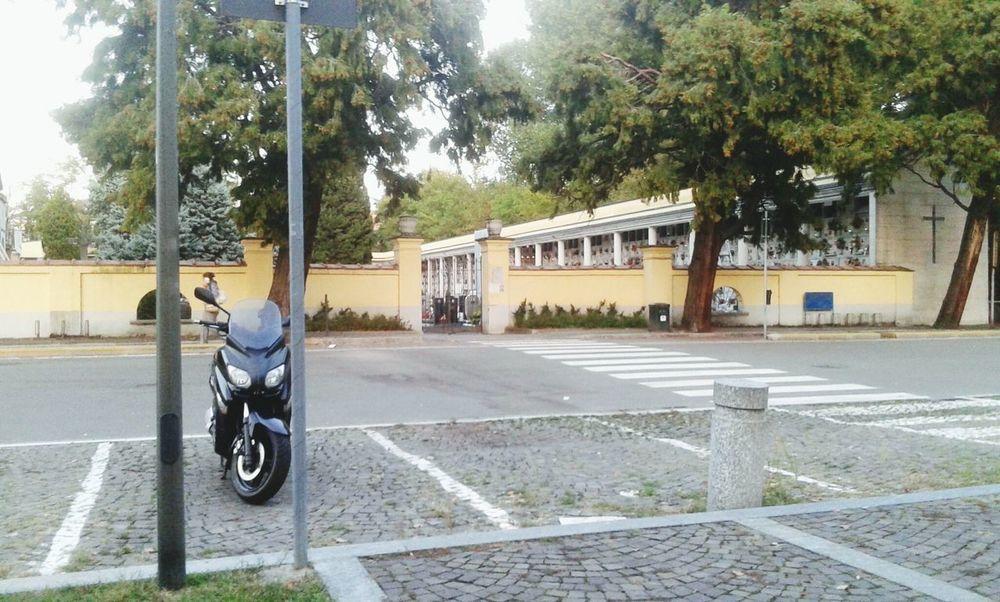 Motor Scooter Parcheggio