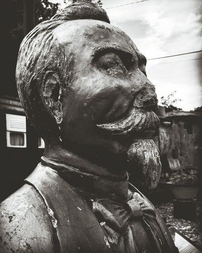 Mr.X Statue