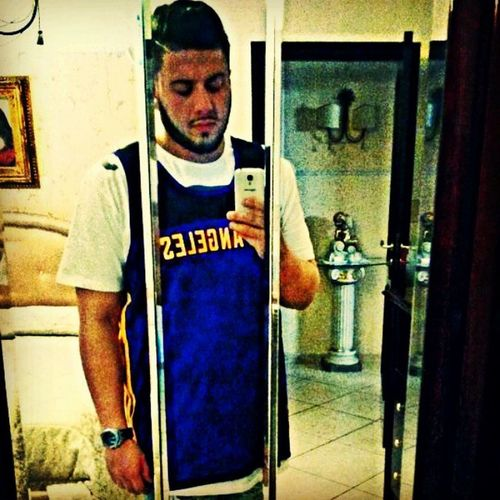 Lo stile nn è x tutti...diffidate dalle imitazioni✌✌ Me Muifeliz Style Ghetto Rap NBA Lakers Losangeles MVP Kobe Followforfollow Follow Istaflow Istafresh Likeme Likemystyle Fresh Heyman
