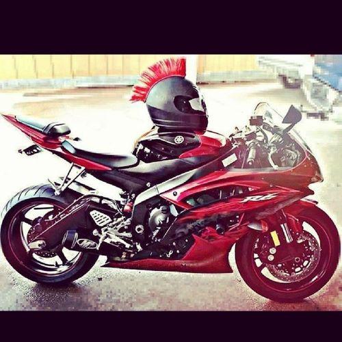 Bu motor tutkusu öldürcek beni... Ruyama bile girdi :) @pistonaddictz @bikeswithoutlimits Yamaha R6  Motosiklet Tutku heycan adrenalim crazy