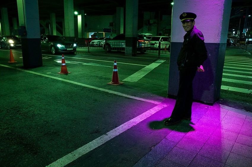 Seoul Seoul, Korea Streetphotography Yoonjeongvin Colors One Person One Man Only Adult Full Length Adults Only Night People Stories From The City HUAWEI Photo Award: After Dark #urbanana: The Urban Playground